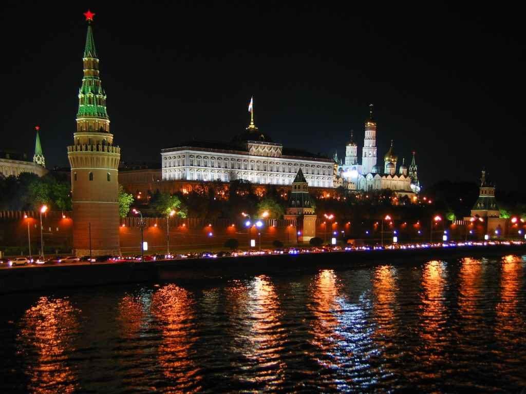 Москва, Кремль, ночь, пробки