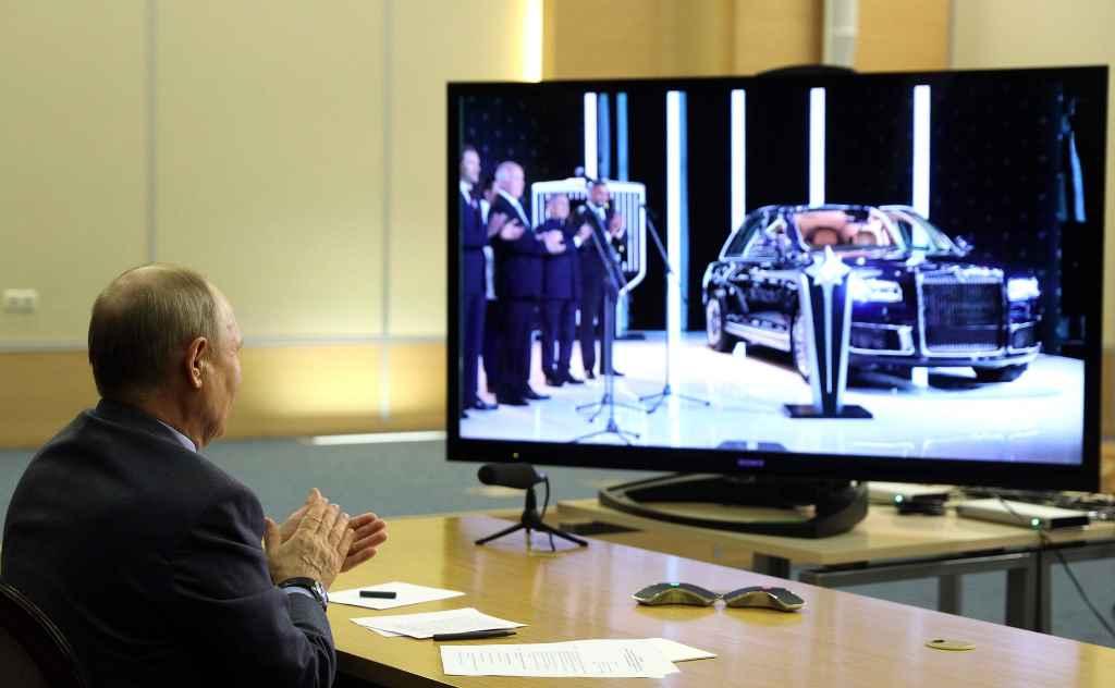Президент России Владимир Путин на церемонии запуска серийного производства Aurus Senat