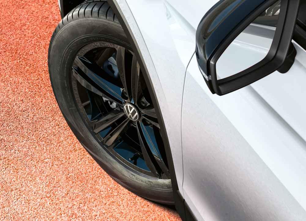 Volkswagen Tiguan Urban Sport (колесо, шина)